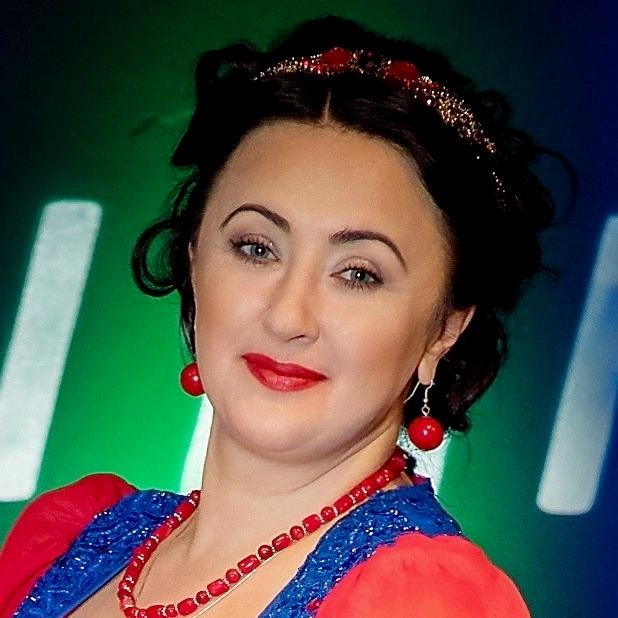 Наталья Ткаченко (народный вокал)